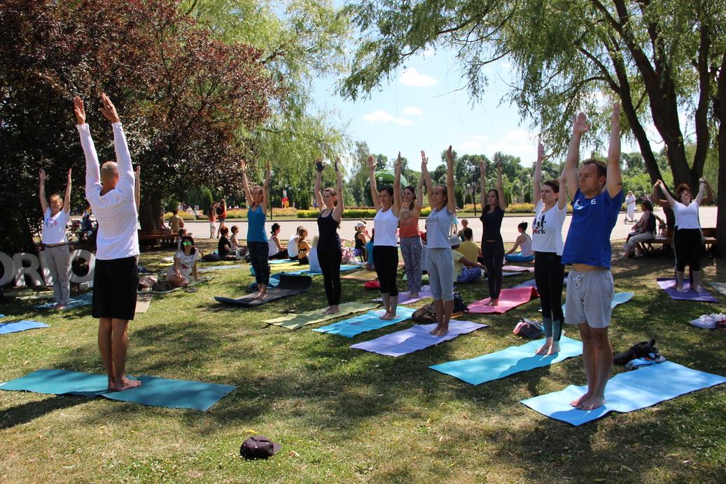 Комбинезон для йоги фитнеса и танцев